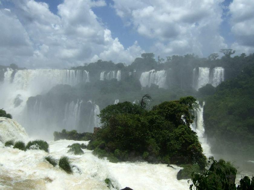 IGUAZÚ WATERFALLS Argentina/Brazil